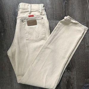 Wrangler • vintage cream high waisted mom jeans
